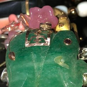 Vintage 14k 585 Carved Jade Elephant Ruby Eye